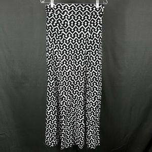 3 for $12- Medium Gap long maxi maxi skirt